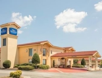 Picture of Baymont Inn & Suites Greenville Woodruff Rd in Greenville