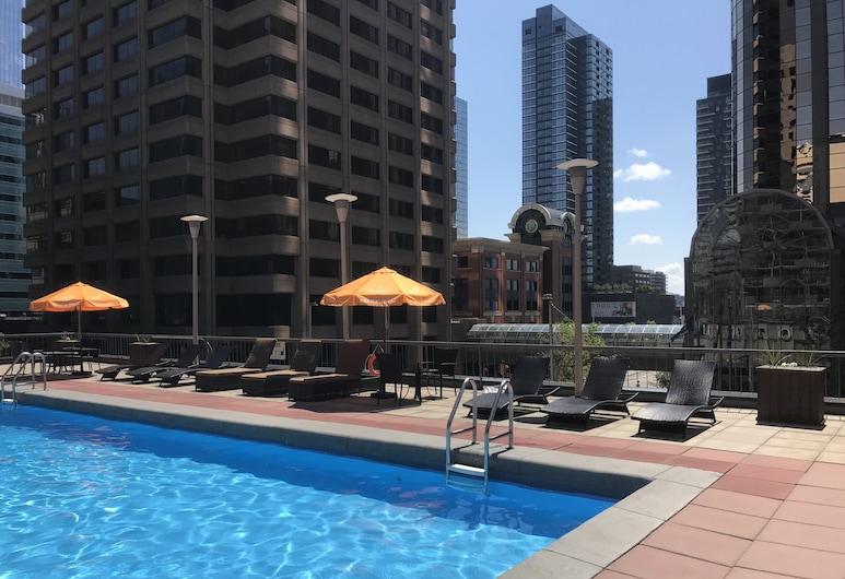 Ramada Plaza by Wyndham Calgary Downtown, קלגרי, מרפסת גג