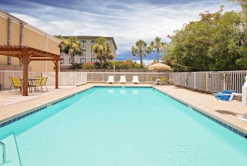 Picture of Days Inn by Wyndham Fort Walton Beach in Fort Walton Beach