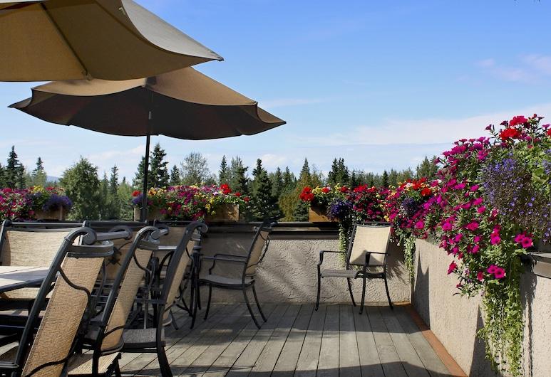 Sophie Station Suites, Fairbanks, Terrace/Patio