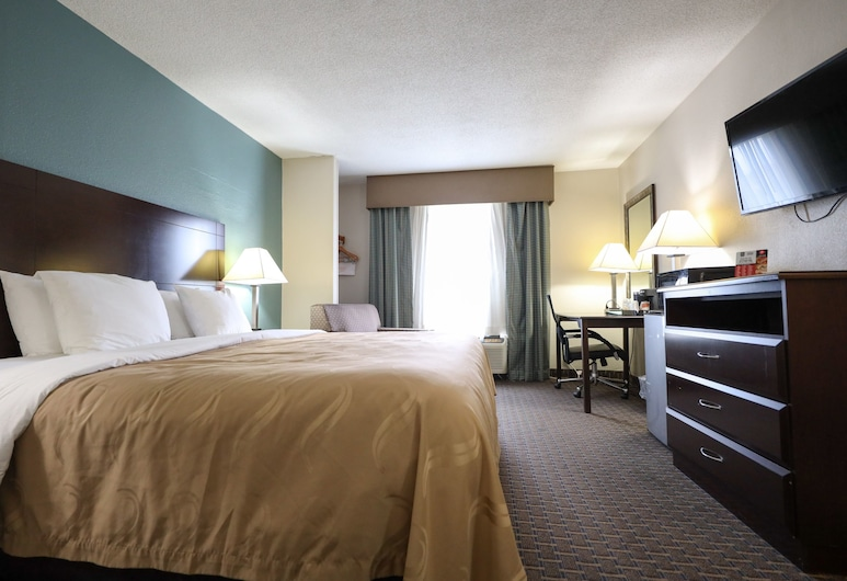Copley Inn & Suites, Copley - Akron, Akron, Standard Room, 1 King Bed, Non Smoking, Guest Room