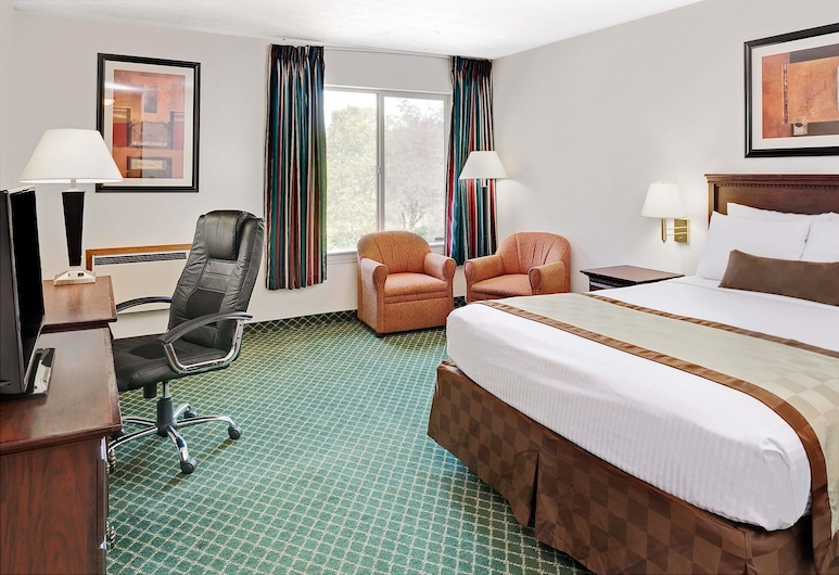 Ramada by Wyndham Spokane Valley, Spokane Valley, Room, 2 Queen Beds, Non Smoking, Guest Room