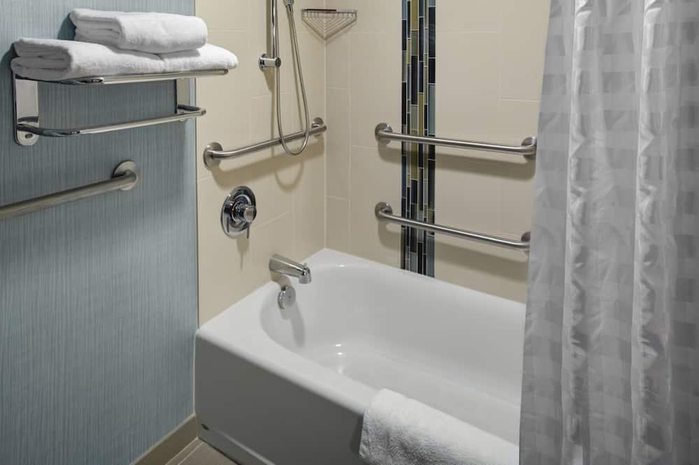 Rom, 1 kingsize-seng, handikappvennlig, badekar - Bad