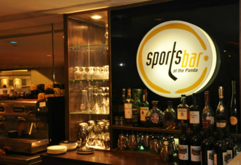 Panda Hotel, Tsuen Wan, Bar deportivo