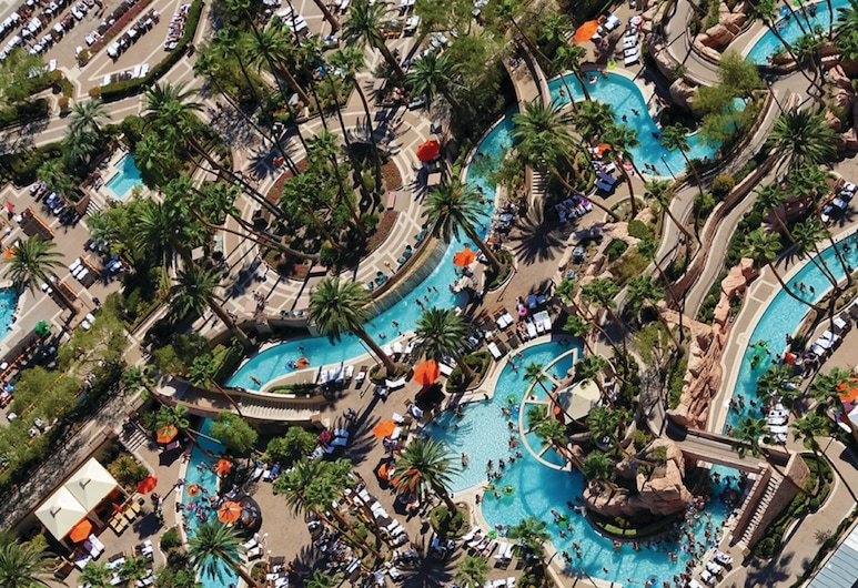 MGM Grand Hotel & Casino, Las Vegas, Outdoor Pool