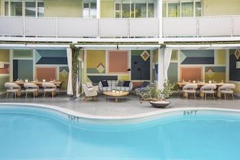 在贝弗利山的比华利山庄阿瓦隆酒店照片