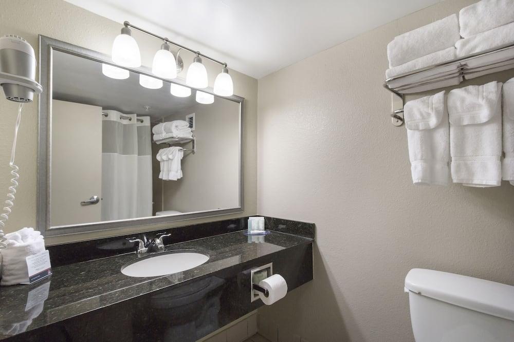 스탠다드 더블룸, 더블침대 2개, 금연 - 욕실
