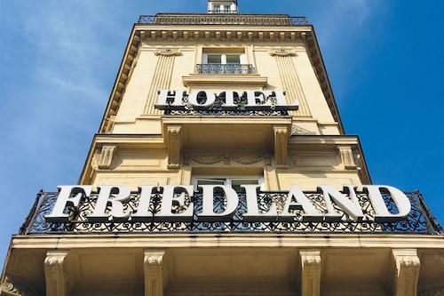 โรงแรมเลอฟรีดลันด์/