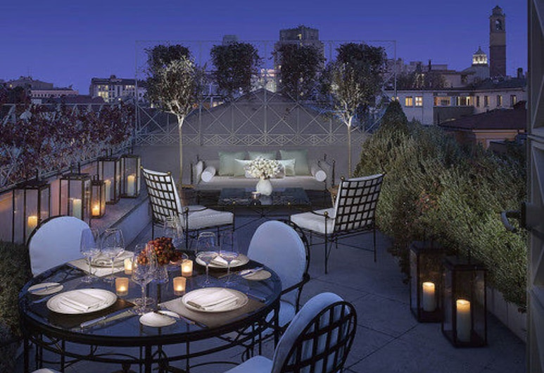 Four Seasons Hotel Milano, Milan, Penthouse Suite king bed, Terrasse/Patio
