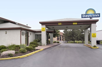Picture of Days Inn by Wyndham Plainfield in Plainfield