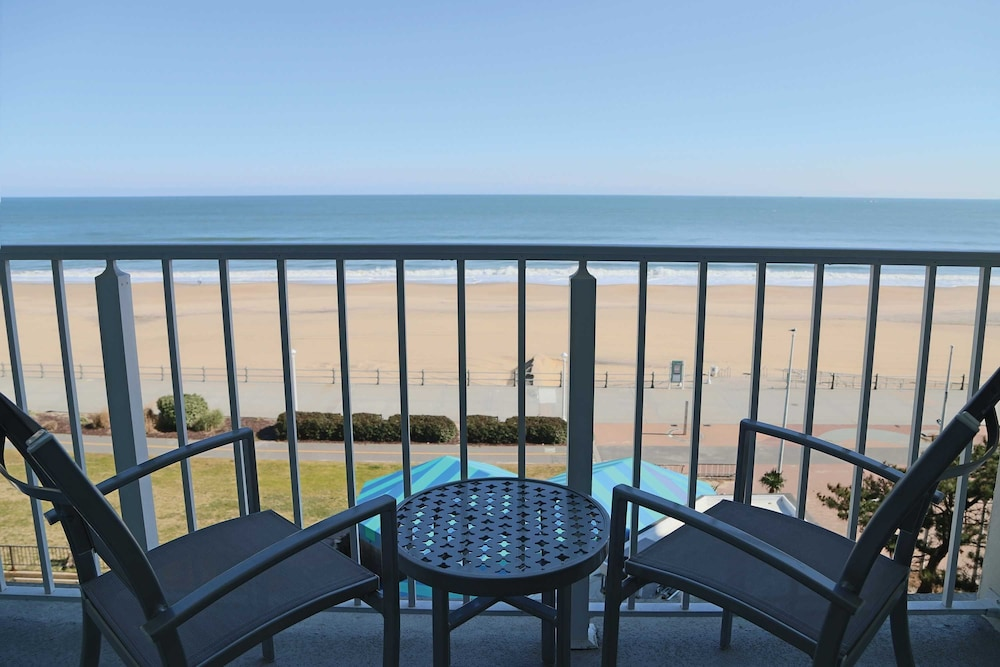 Surfbreak Oceanfront Hotel An Ascend Collection Member Virginia Beach