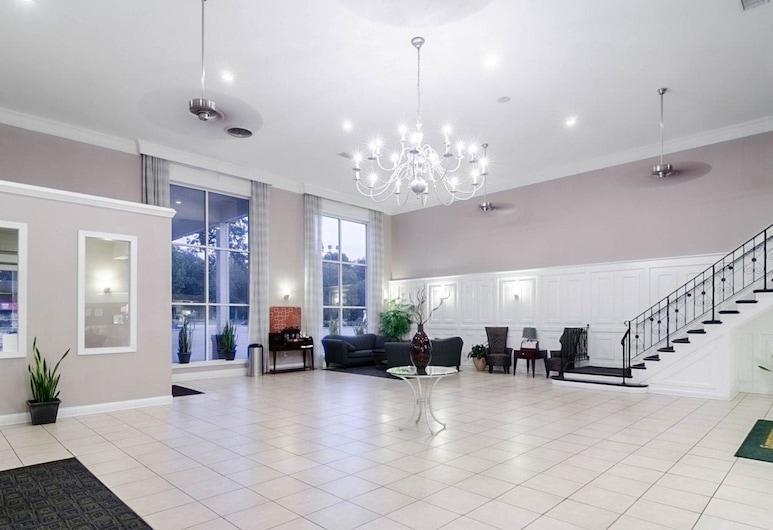 Quality Inn & Suites Williamsburg Central, ויליאמסברג, לובי