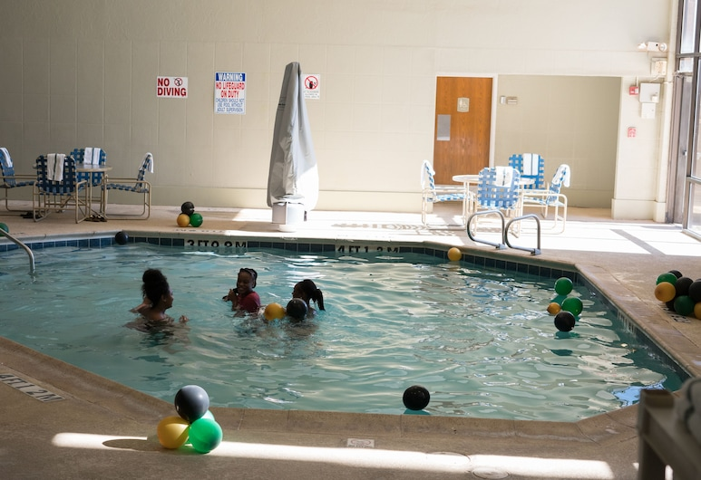 MCM Eleganté Hotel & Suites, Lubbock, Indoor Pool