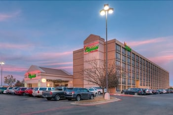 Picture of MCM Eleganté Hotel & Suites in Lubbock