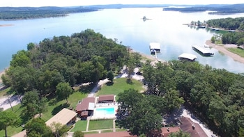 Picture of Table Rock Resorts at Indian Point in Branson