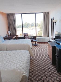 Picture of Days Inn by Wyndham Syracuse in Syracuse