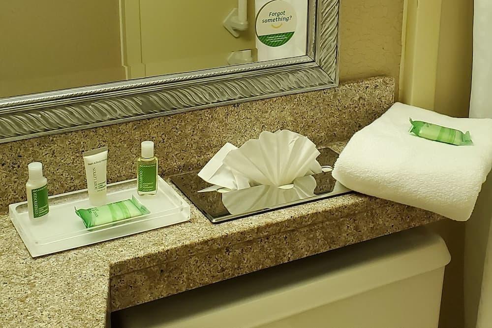 Izba, 1 veľké dvojlôžko, fajčiarska izba - Kúpeľňa