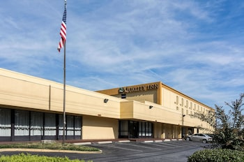 Picture of Quality Inn Andrews Air Force Base in Camp Springs