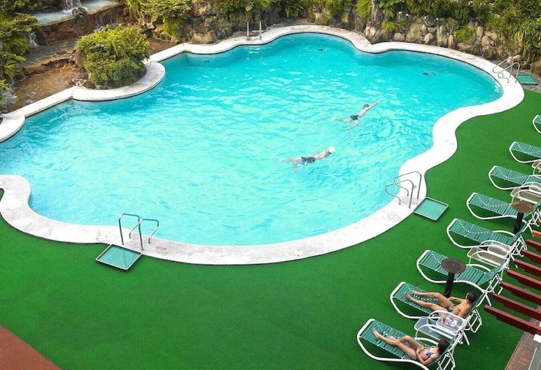 ذا هاوارد بلازا هوتل تايبي, تايبيه, حمّام سباحة خارجي