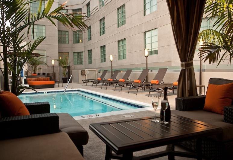 The Orlando, Los Angeles, Venkovní bazén