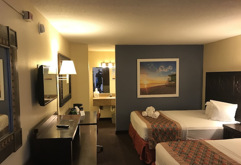 Days Inn by Wyndham Orlando Near Millenia Mall, Orlando, Deluxe Room, 2 Queen Beds with Micro-Fridge, Non Smoking, Guest Room