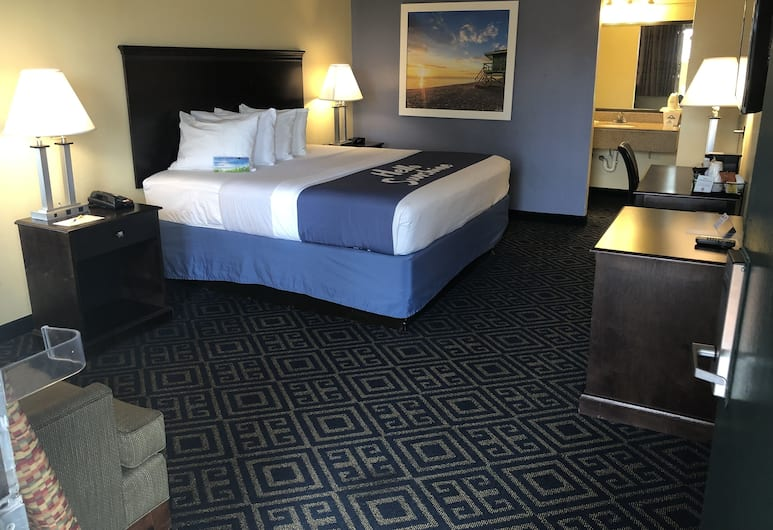 Days Inn by Wyndham Orlando Near Millenia Mall, Orlando, Deluxe Room, 1 Queen Bed, Non-Smoking, Guest Room