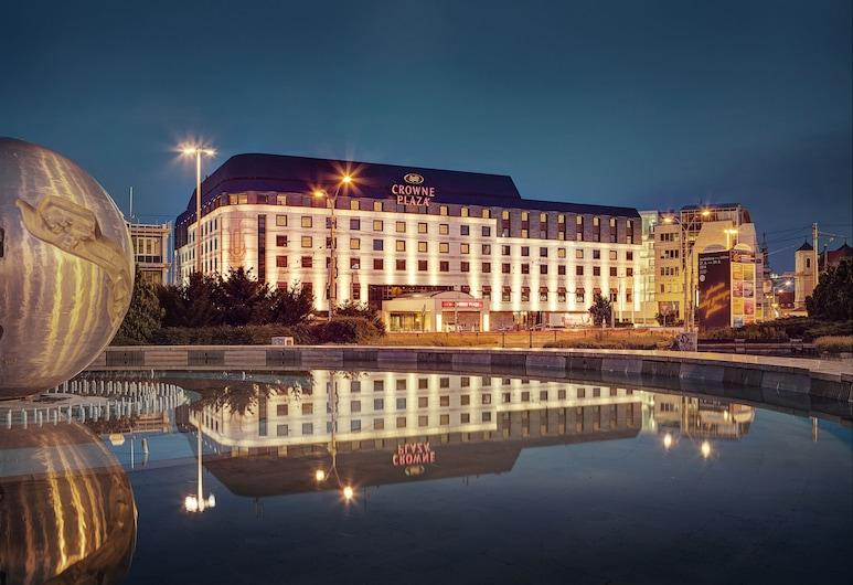 布拉提斯拉發皇冠假日飯店, 布拉提斯拉瓦