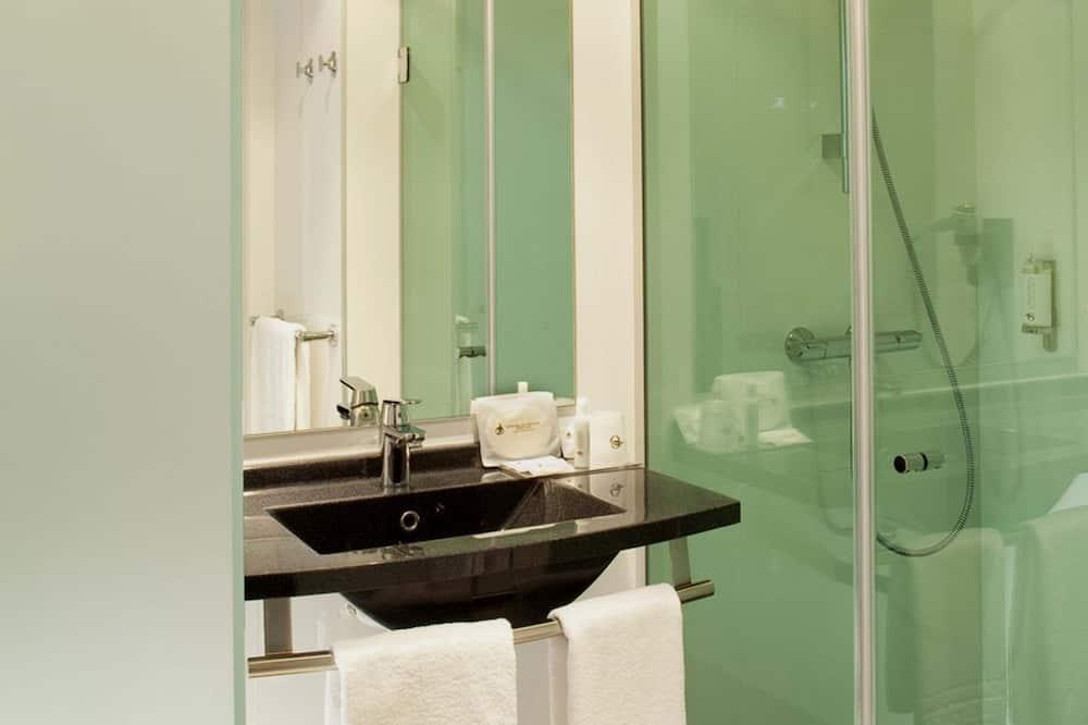 Chambre Double Supérieure - Lavabo de la salle de bain