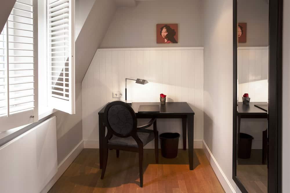 Standardní pokoj s dvojlůžkem nebo dvěma jednolůžky - Obývací prostor
