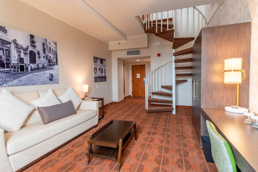 King Room, Two Story Suite with Spiral Staircase, No Balcony - Living Area