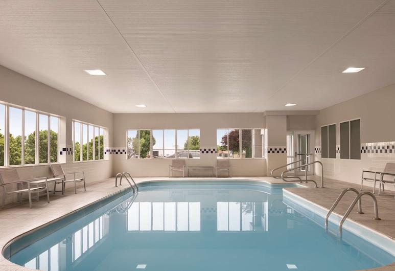 Country Inn & Suites by Radisson, Port Clinton, OH, Port Clinton, Sisebassein