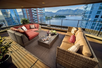 Picture of Pinnacle Hotel Harbourfront in Vancouver