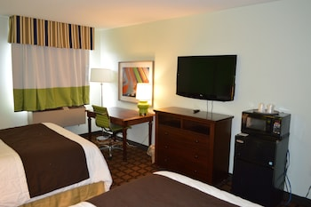 Picture of Days Inn & Suites New Buffalo in New Buffalo