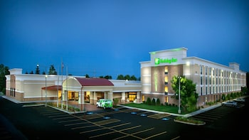 Picture of Holiday Inn Gurnee Convention Center in Gurnee