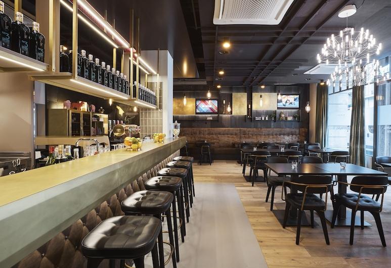 The Bristol, Berne, Bar de l'hôtel
