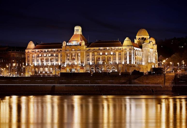 Danubius Hotel Gellert, Budapest, Hotellets front – kveld/natt