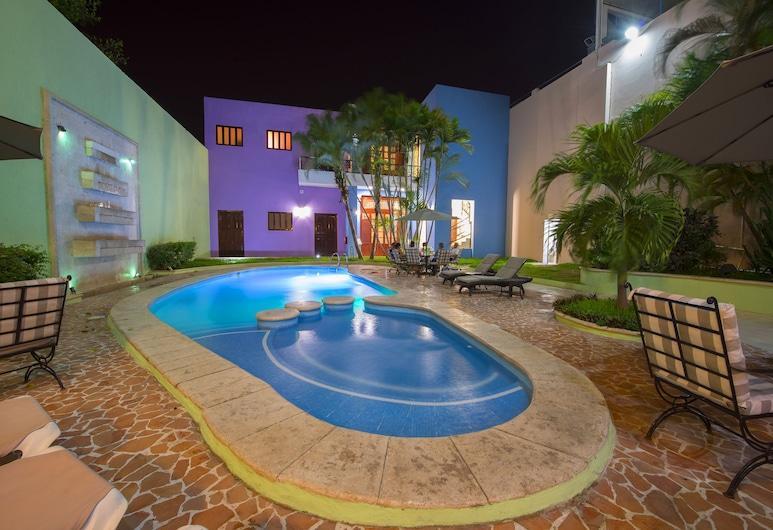 هوتل دل جوبيرنادور, Mérida, حمّام سباحة خارجي
