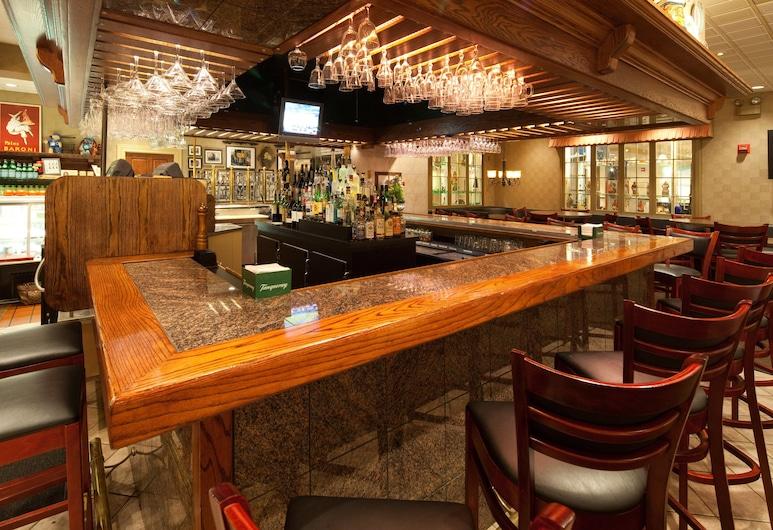 Holiday Inn Cleveland-Mayfield, an IHG Hotel, Mayfield, Hotellin baari