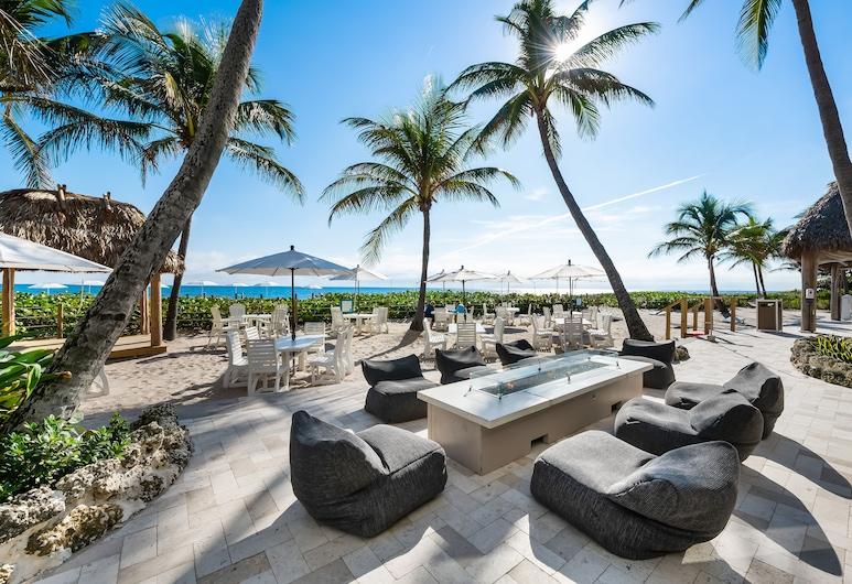 Beachcomber Resort & Club, Pompano Beach, Outdoor Dining