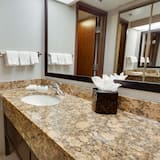 Suite, 1 King Bed with Sofa bed, Refrigerator & Microwave (2 Rooms) - Bathroom