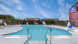 Reserve this hotel in Evansville, Indiana