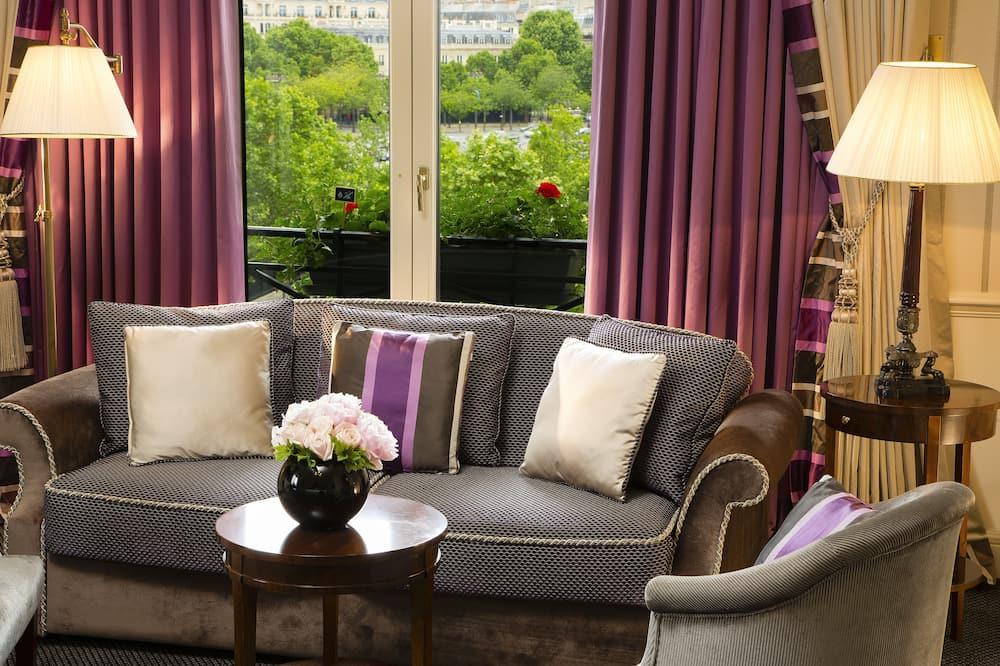 Junior Suite Avenue - Living Area