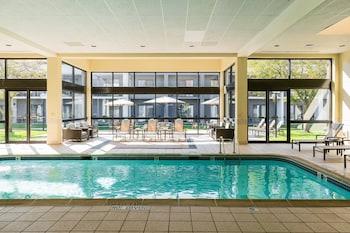 內珀維爾芝加哥內珀維爾萬怡酒店的圖片