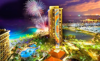 Honolulu bölgesindeki Hilton Hawaiian Village Waikiki Beach Resort resmi