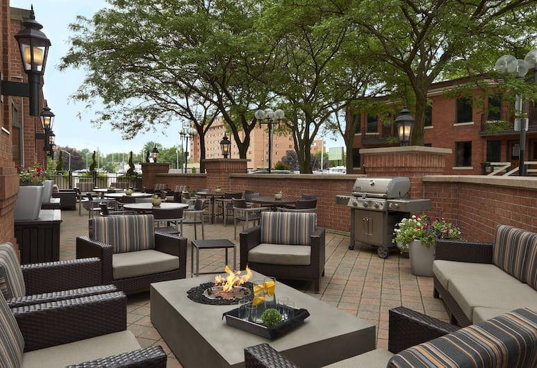 TownePlace Suites by Marriott Windsor, Windsor, Terraza o patio