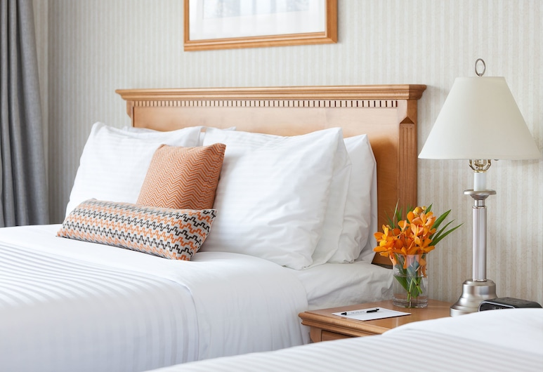 The Listel Hotel Whistler, Whistler, Deluxe Room, 2 Queen Beds, Guest Room