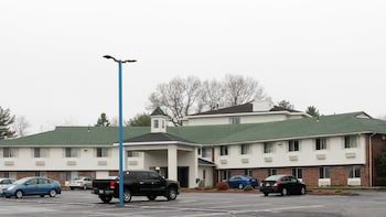 Check the price of this hotel in Northborough