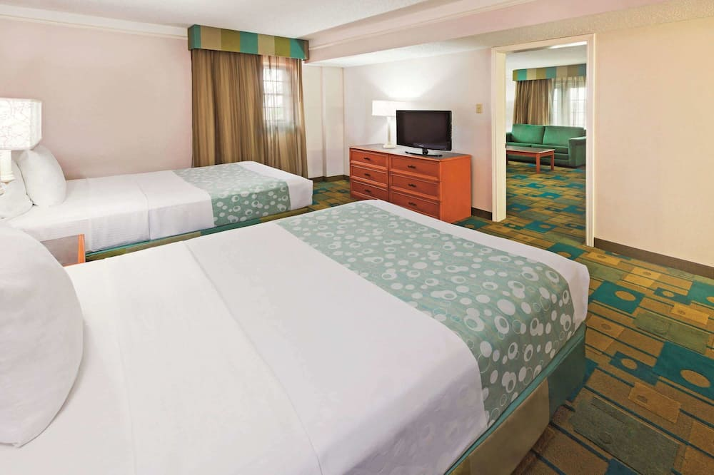 Suite, 2 Double Beds, Non Smoking - Guest Room