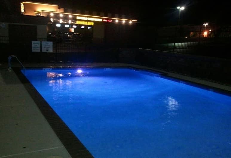 哈里斯堡西北 - 麥坎尼克斯堡智選假日酒店, 麥坎尼克斯堡, 泳池