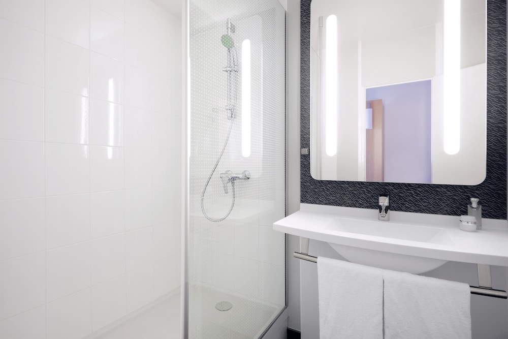 Meudon France  city photo : Book Ibis Paris Meudon Velizy, Meudon, France Hotels.com